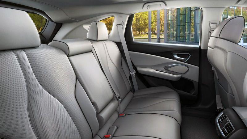 Второй ряд сидений Acura RDX 2018