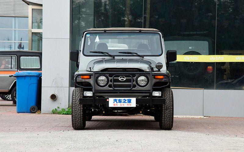 Beijing BJ212 вид спереди