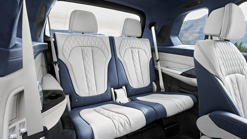 Третий ряд сидений БМВ Х7