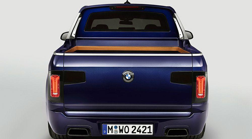 BMW X7 Pick-up вид сзади