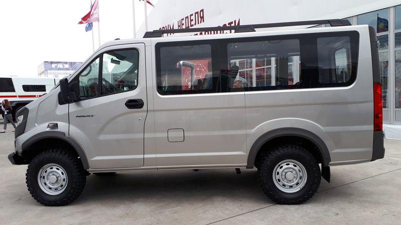 Микроавтобус ГАЗ Соболь 4х4 вид сбоку