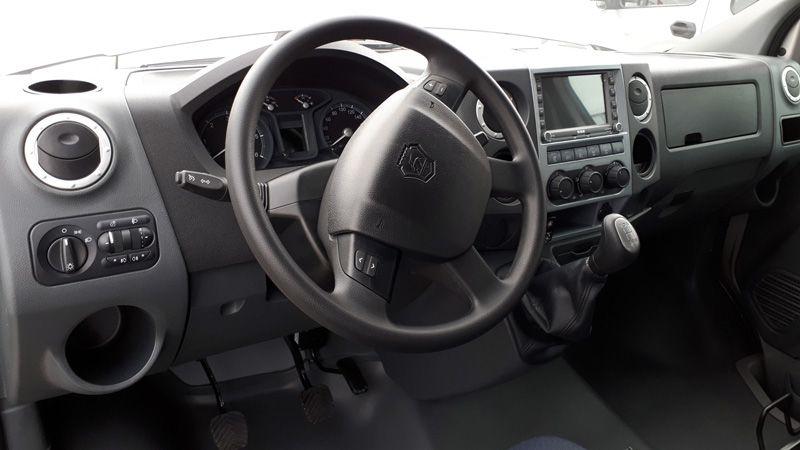 Интерьер салона новых автомобилей семейства ГАЗ