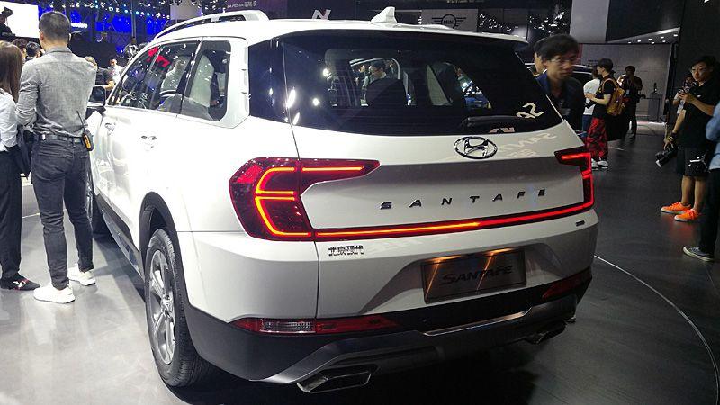Hyundai Santa Fe 2019 для Китая вид сзади