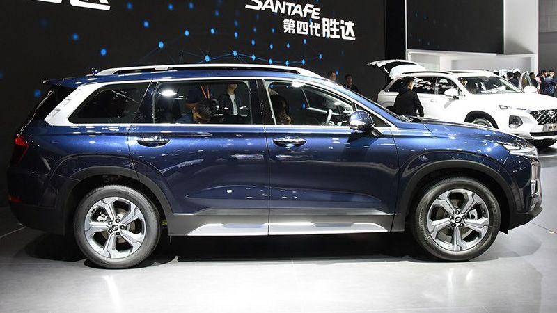 Hyundai Santa Fe 2019 для Китая вид сбоку
