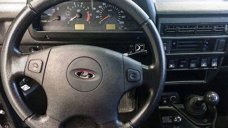 Рулевое колесо и передняя панель LADA Bronto