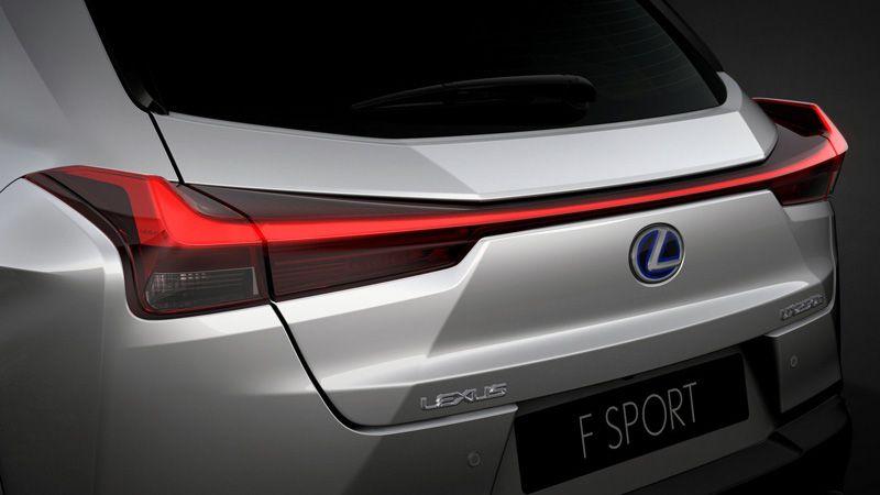 Задние фанари Lexus UX 2018