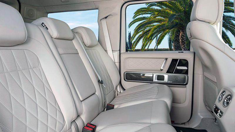 Второй ряд сидений нового Mercedes-Benz AMG 63