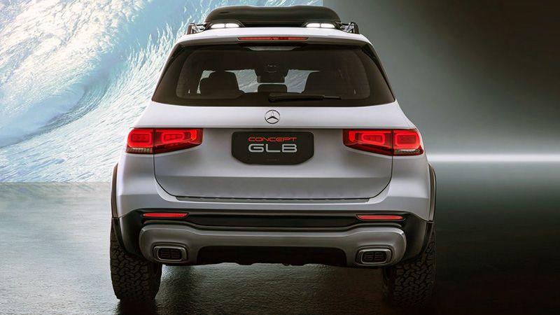 Mercedes GLB вид сзади