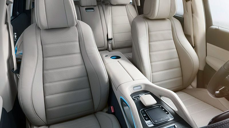Интерьер салона Mercedes-Benz GLS 2020