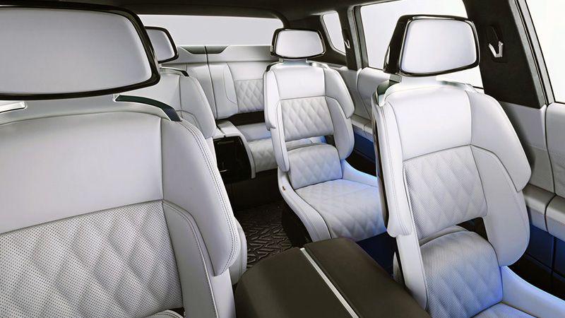 Интерьер Mitsubishi Engelberg Tourer
