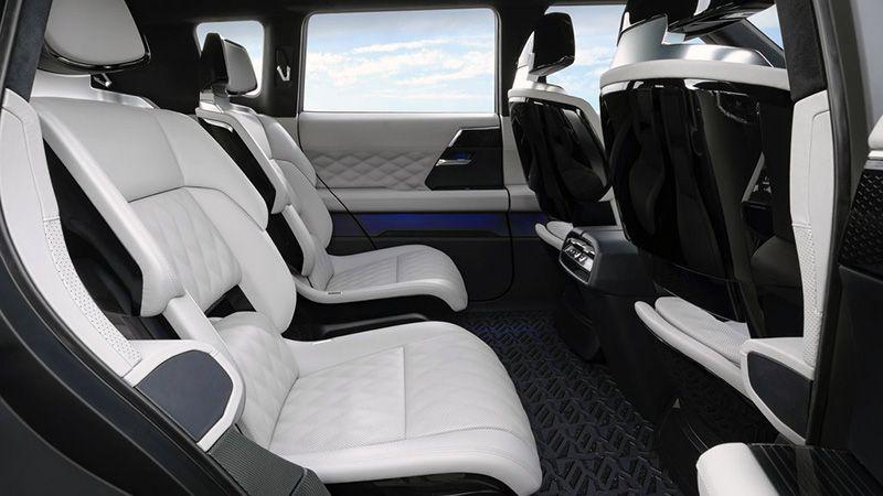 Второй ряд сидений Mitsubishi Engelberg Tourer