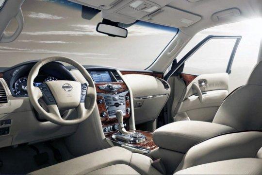 Nissan Armada фото салона