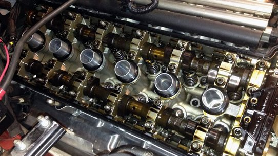 Нужно ли промывать двигатель при замене масла?