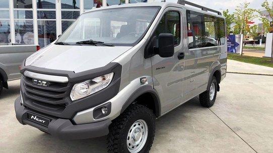ГАЗ представил микроавтобус и пикап на базе Соболь 4х4