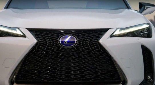 Lexus UX: первые фото серийной версии, характеристики, дата выхода