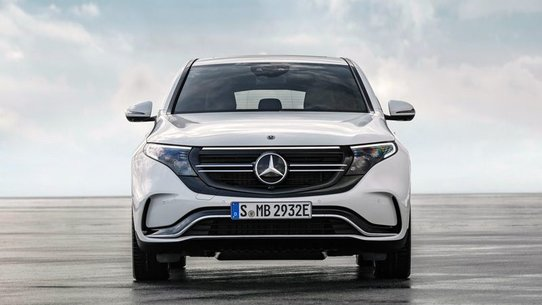 Mercedes EQC начнут продавать в России 2020 году