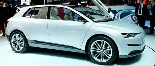Серийный кроссовер Tesla Model X