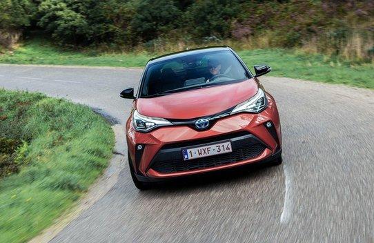 Обновленный Toyota C-HR: комплектации и цены