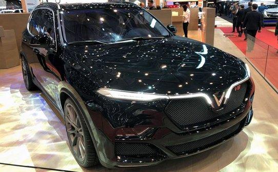 VinFast Lux V8: топовая версия вьетнамского кроссовера