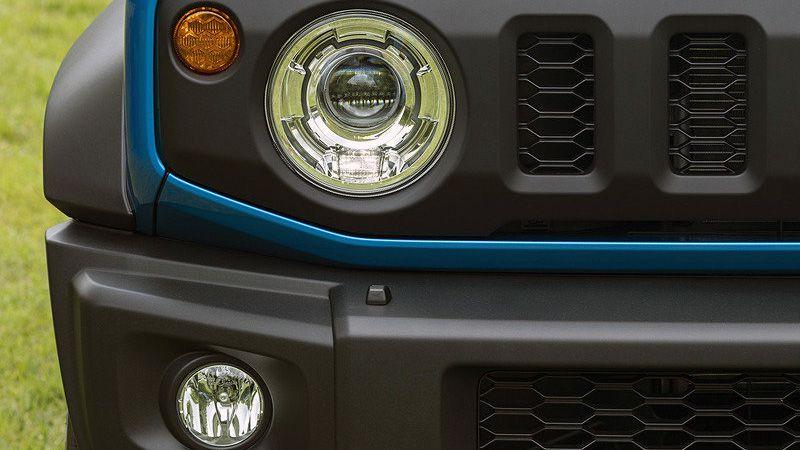 Передняя оптика нового Suzuki Jimny