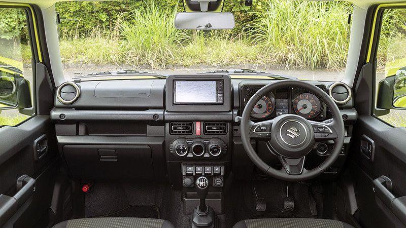 Салон внедорожника Suzuki Jimny 2018