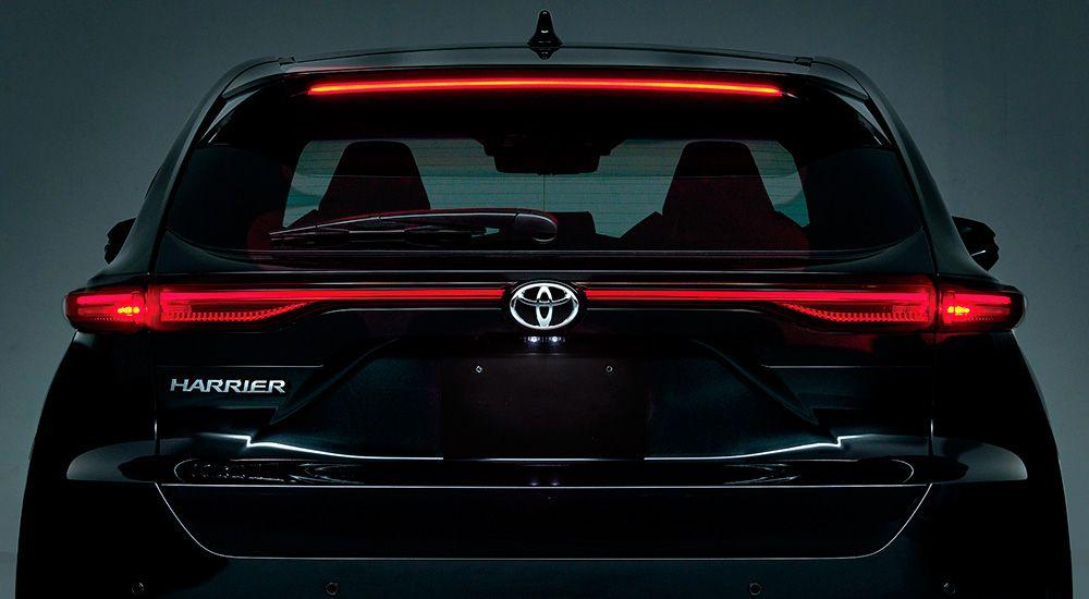 Задняя оптика Тойота Харриер