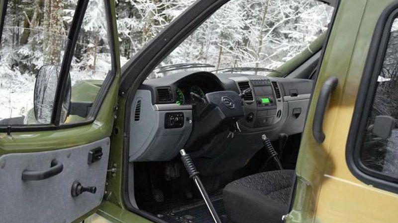 Внутри вездехода ГАЗ 3409
