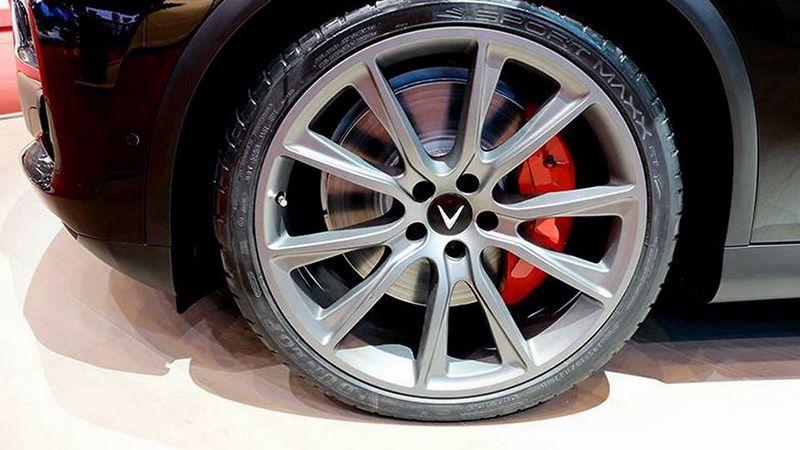 Колесные диски VinFast Lux V8